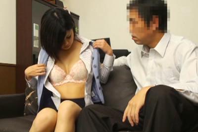 某大手広告代理店重役室盗撮 権力者による中出し専用肉便器秘書