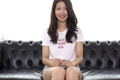 本物アジアアイドルE-BODY光臨 8頭身 激美脚ボディデビュー ヒナ
