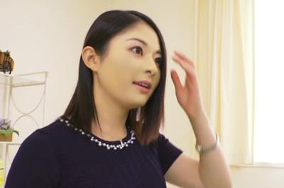 大手町の現役受付嬢 AVデビュー! 大杜若羽