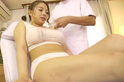 巨乳妻が仰け反り絶頂を繰り返すミルクライン開発凄腕サロン 織田真子