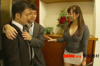 上司のヤリマン奥さんが誘惑してくる! KAORI
