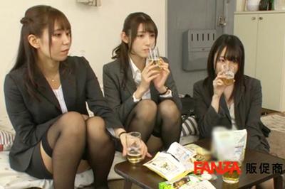 3人のほろ酔い神尻女上司たちが、何度中出ししても止まらない精子まみれ粘着ピストンでイキまくり!イカせまくり!