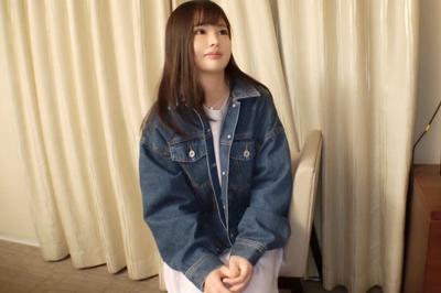 寂しがり屋の19歳!上京して一人暮らしの心細さに付け込みナンパ成功!ロリ顔で可愛らしさ全開なのは最初だけ!チ〇ポをぶち込まれれば我を忘れてイキまくる!