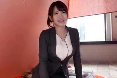 新宿で美脚OLをナンパ成功!一度流されればすぐに感じ始めてうっとり顔♪巨…